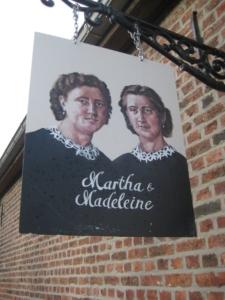 Uithangbord Martha & Madeleine
